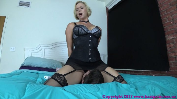 Brat Princess - Mother Uses Sissy Sons Face To Get Off While Thinking About Lover - Brianna