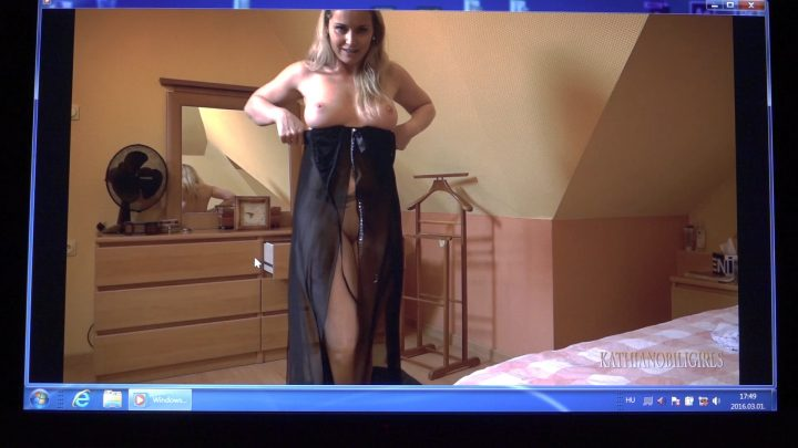 Kinky live chat with your mother!!! - Kathia Nobili