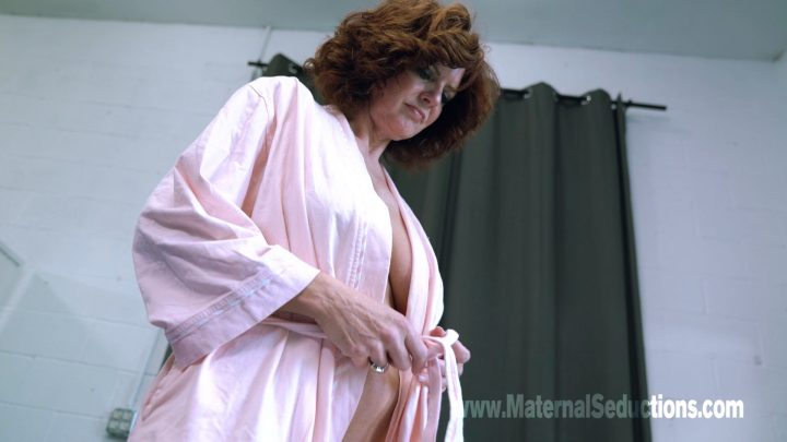 Maternal Seductions – Andi James in Mom Is All I Need – Mommy by Night