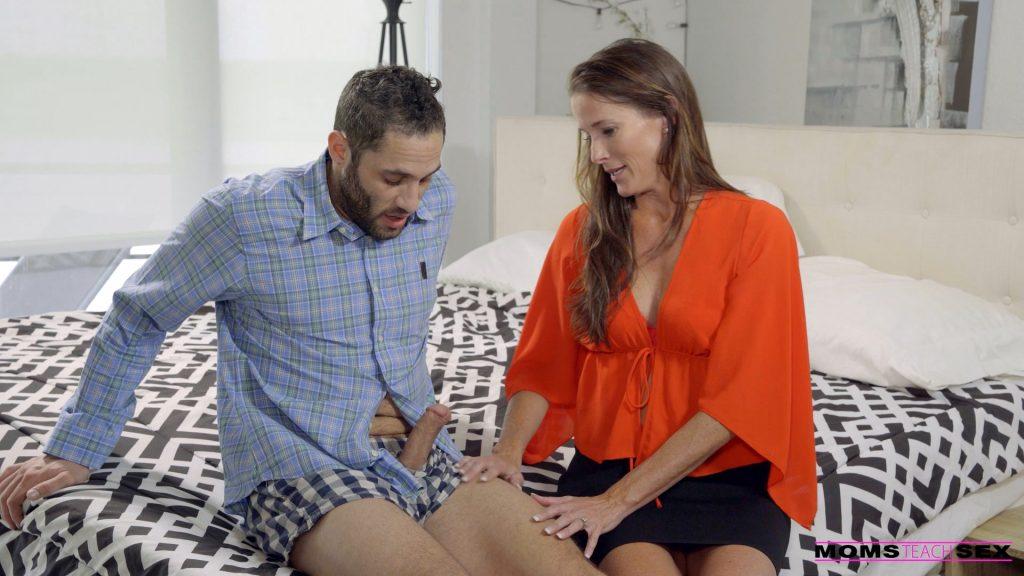 Moms Teach Sex - Slide Right In - Sofie Marie - MOMMAS BOY