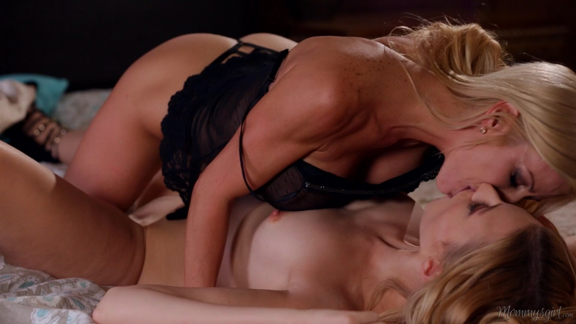 Mommy's Girl - Managing My Daughter - Alexa Grace & Alexis Fawx