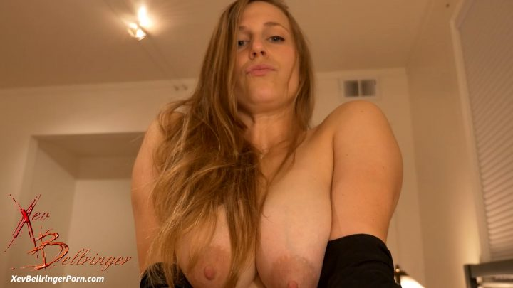 Mommy's Tight Vagina – Xev Bellringer