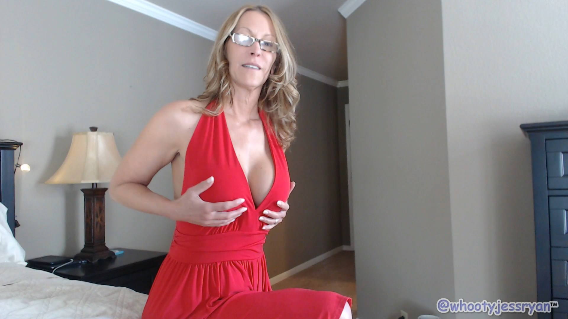 Propositioned By Mom - Jess Ryan