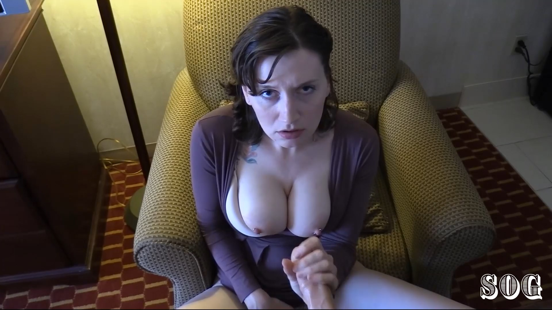 Help Mom, I Can't Cum (Mom I Can't Cum!) - Bettie Bondage