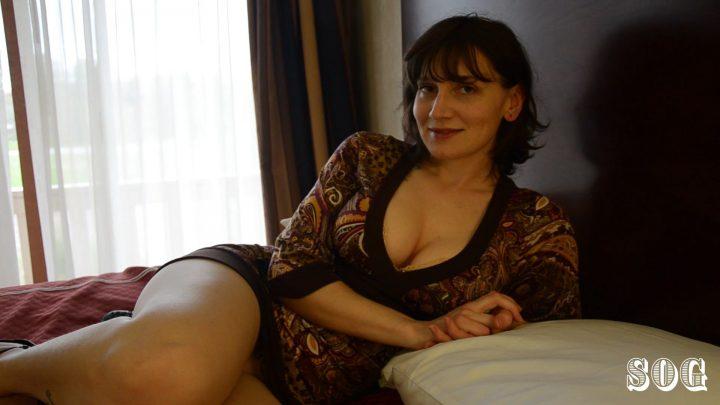 Hotel Room Help - Bettie Bondage