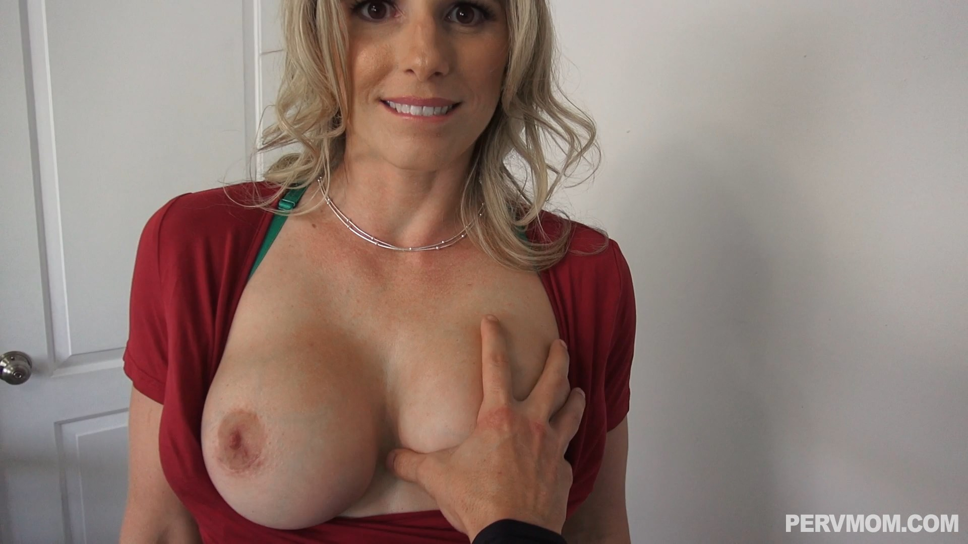 Perv Mom - Feeling Up My Stepmom!!! - Cory Chase