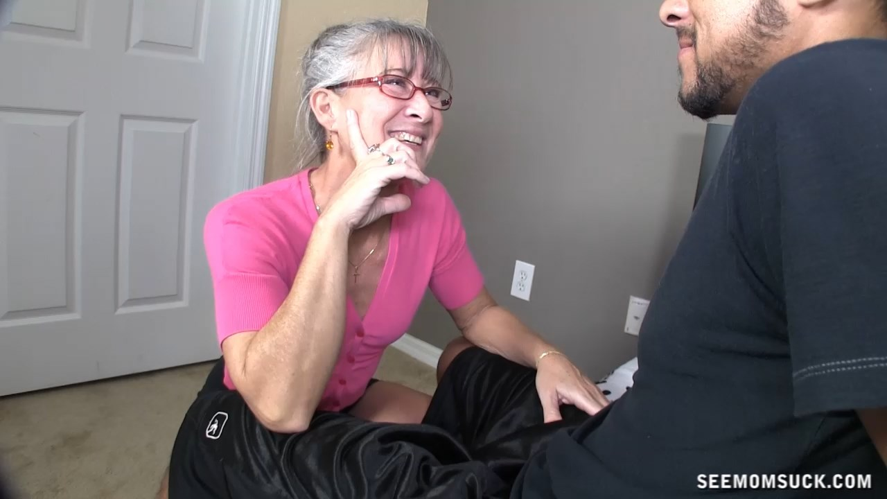 See Mom Suck - Mommy Gets Jealous - Leilani Lei Blowjob
