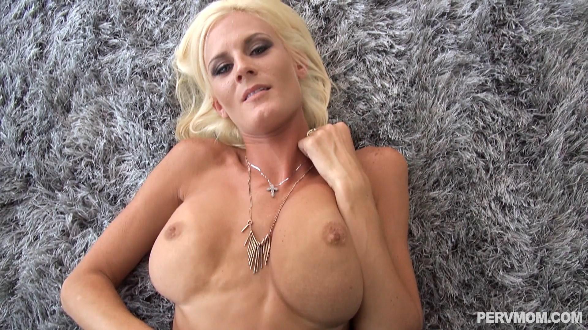 Perv Mom - Lust In The Living Room - Olivia Blu