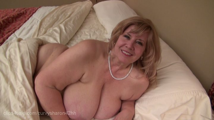Clips curvy sharon