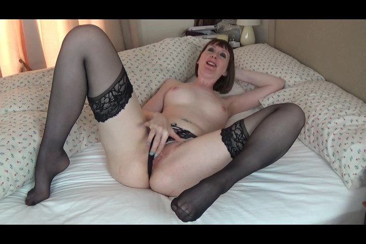 Anna's Fetish Store – Mom & Son Taboo – Slutty British Mommy Makes Son Cum