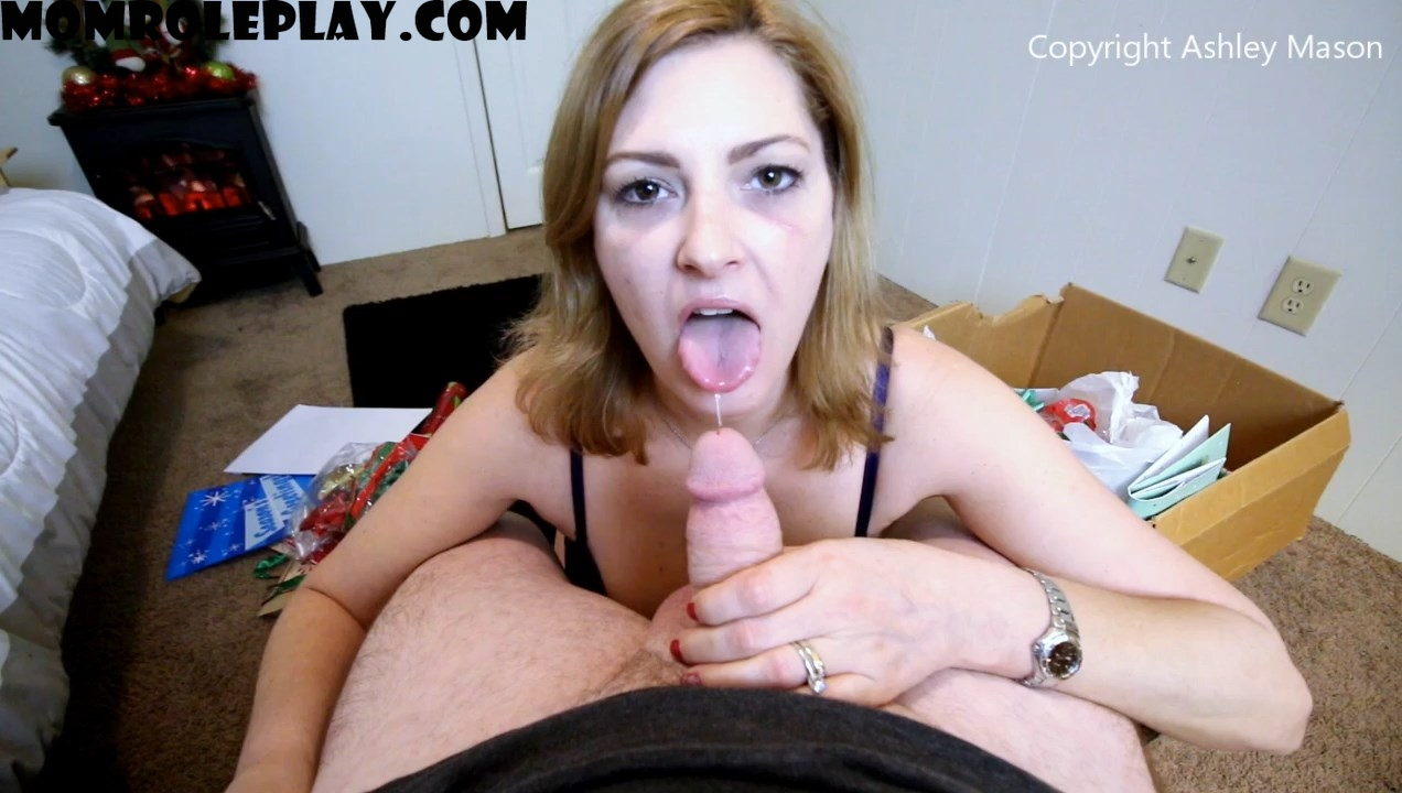 Ashley Masons Play House - Mommies Little Helper
