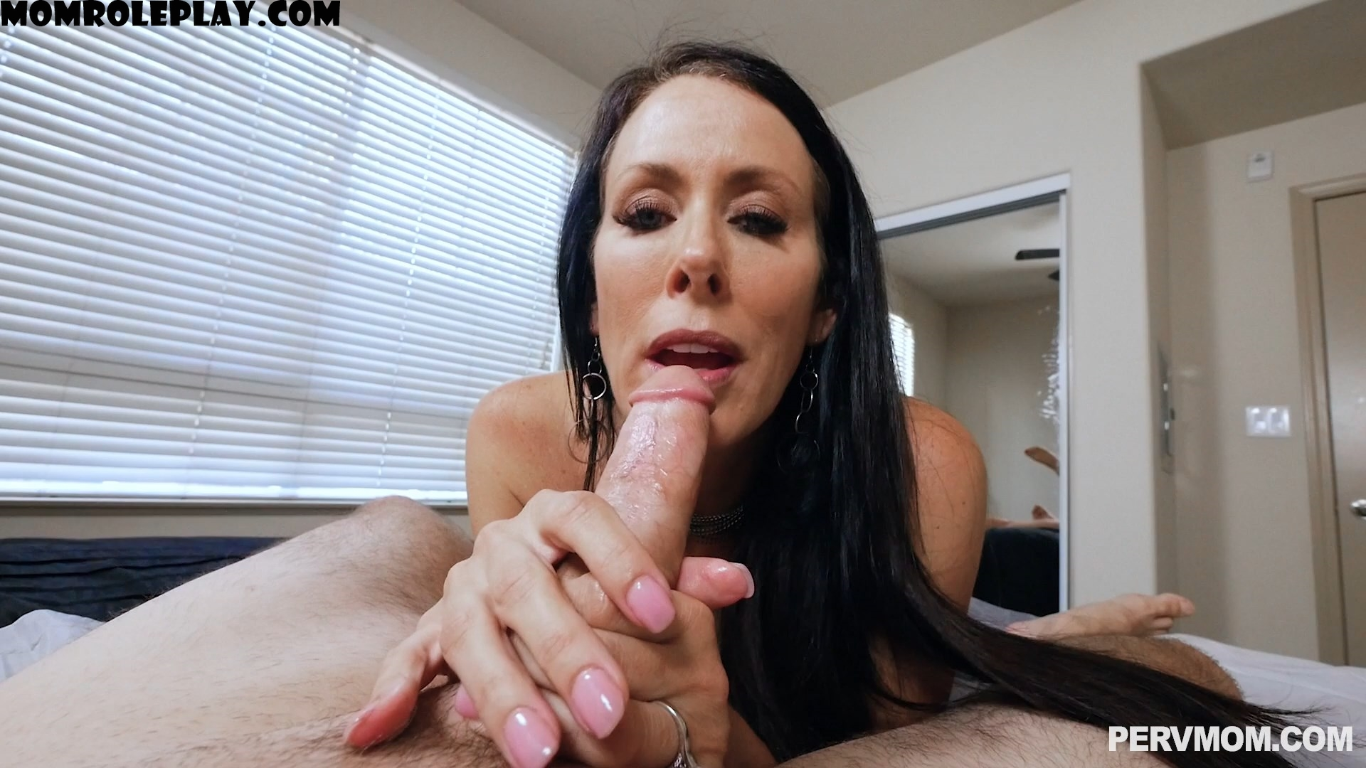 Perv Mom - Hip On The Dick Tip - Reagan Foxx