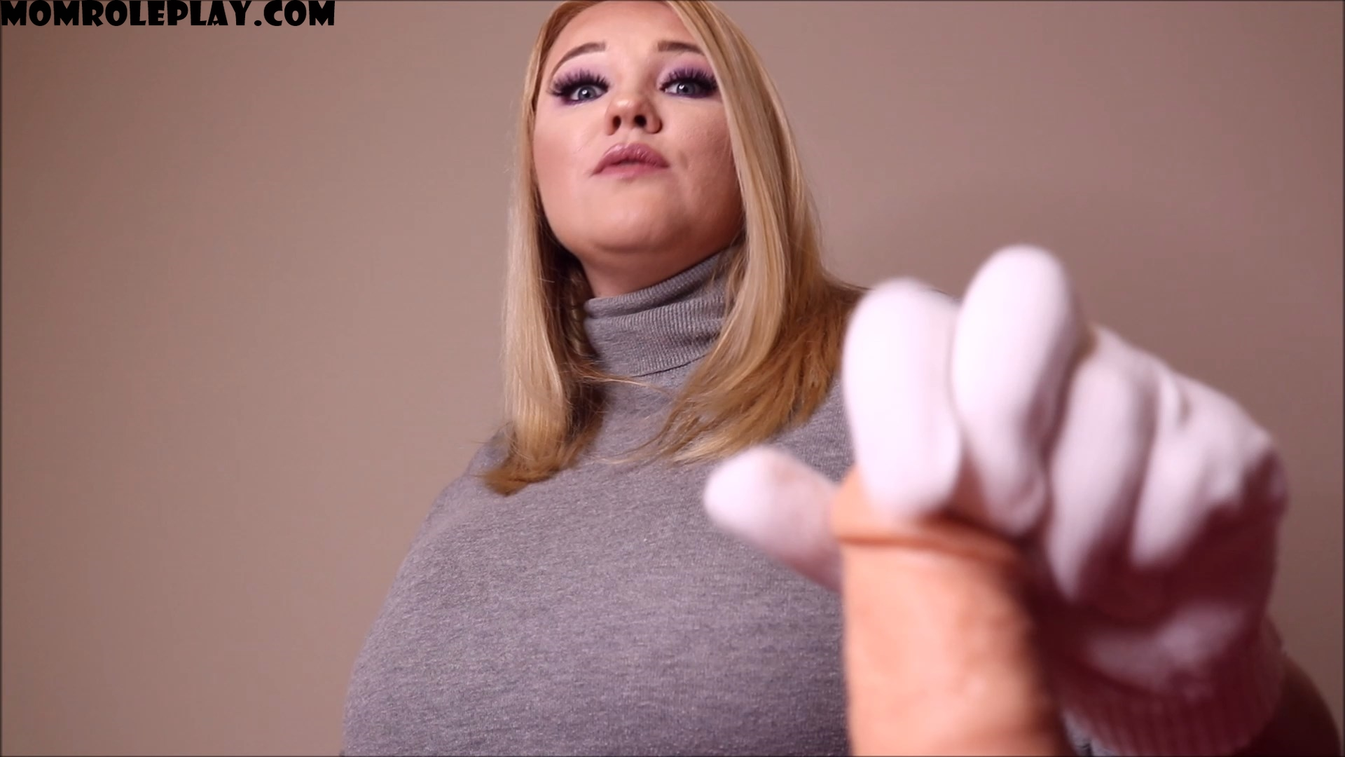 Annabelle Rogers - Mommy Jerks You Off With Gloves