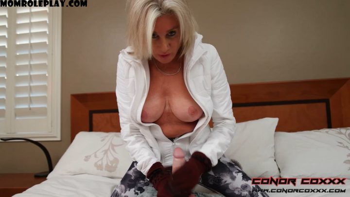 Conor Coxxx Clips - Payton Hall - The Covered Hands LoopHole: Taboo Ski Glove HandJob