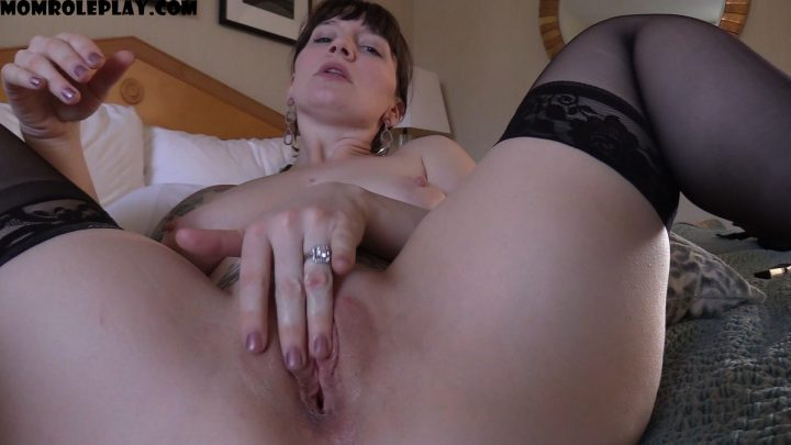 Bettie Bondage – Mommy's Bull Breaks You In