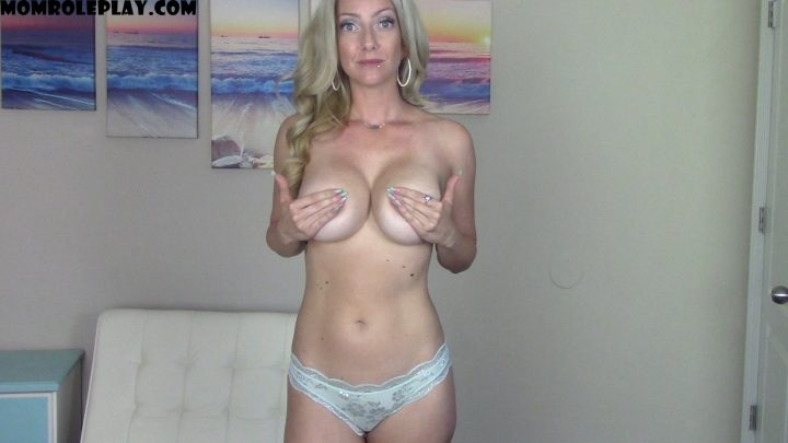 Goddess Gwen - Help Mommy Pick a Bra & Panty set *custom