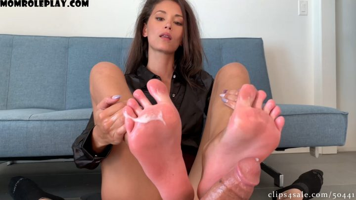 Bratty Babes Own You - Ari Parker - Caught Staring Step Mom's Footjob Compromise HD