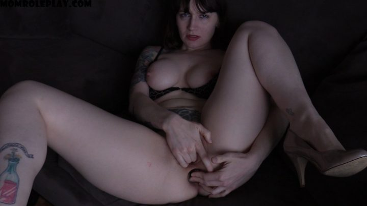 Bettie Bondage - Anal Date with Mom
