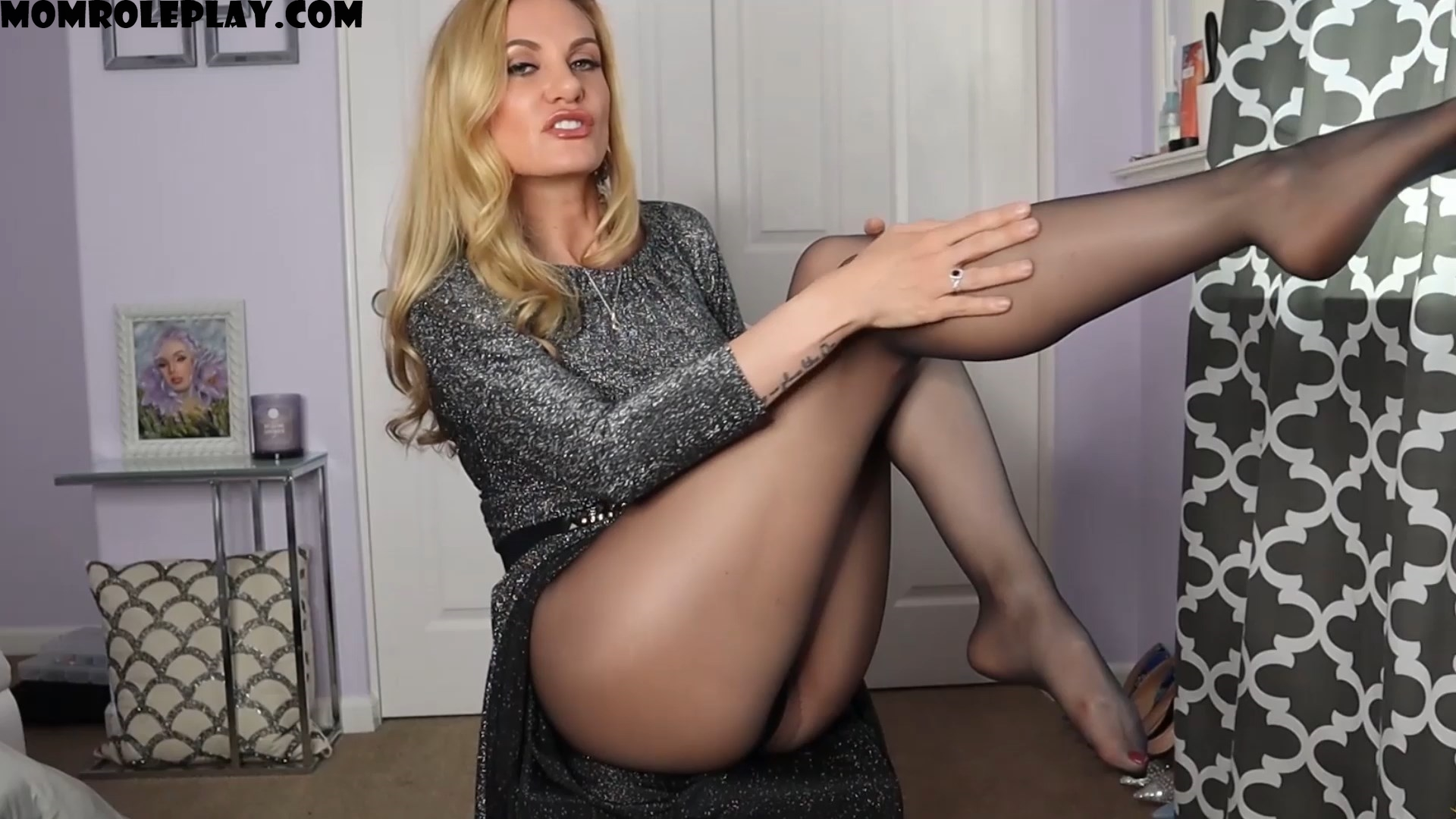 Goddess Stella Sol - A Playdate on Dommy Mommy Day