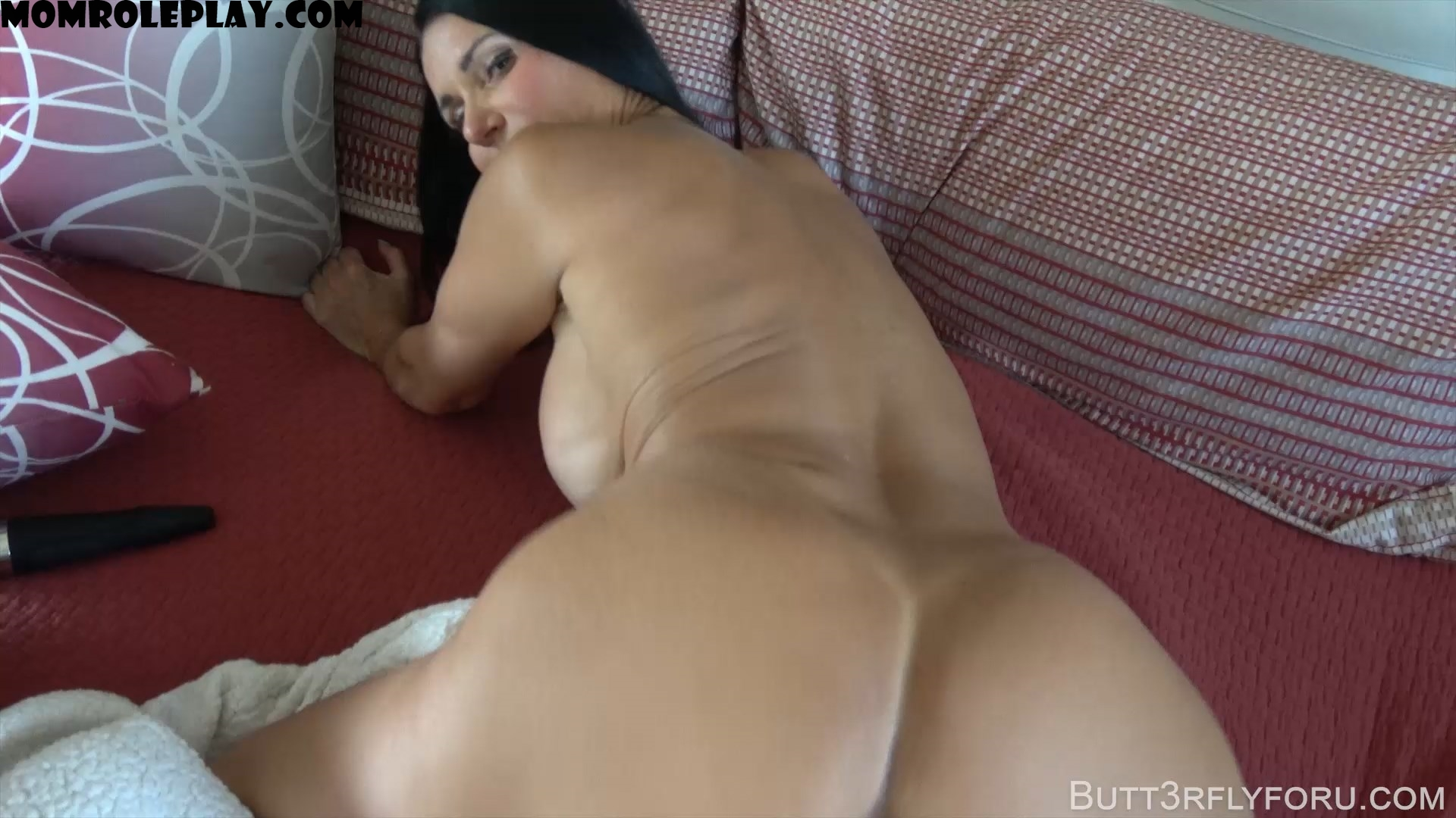 Butt3rflyforU Fantasies - Daddy Is Out On Business And Mommy Is Horny