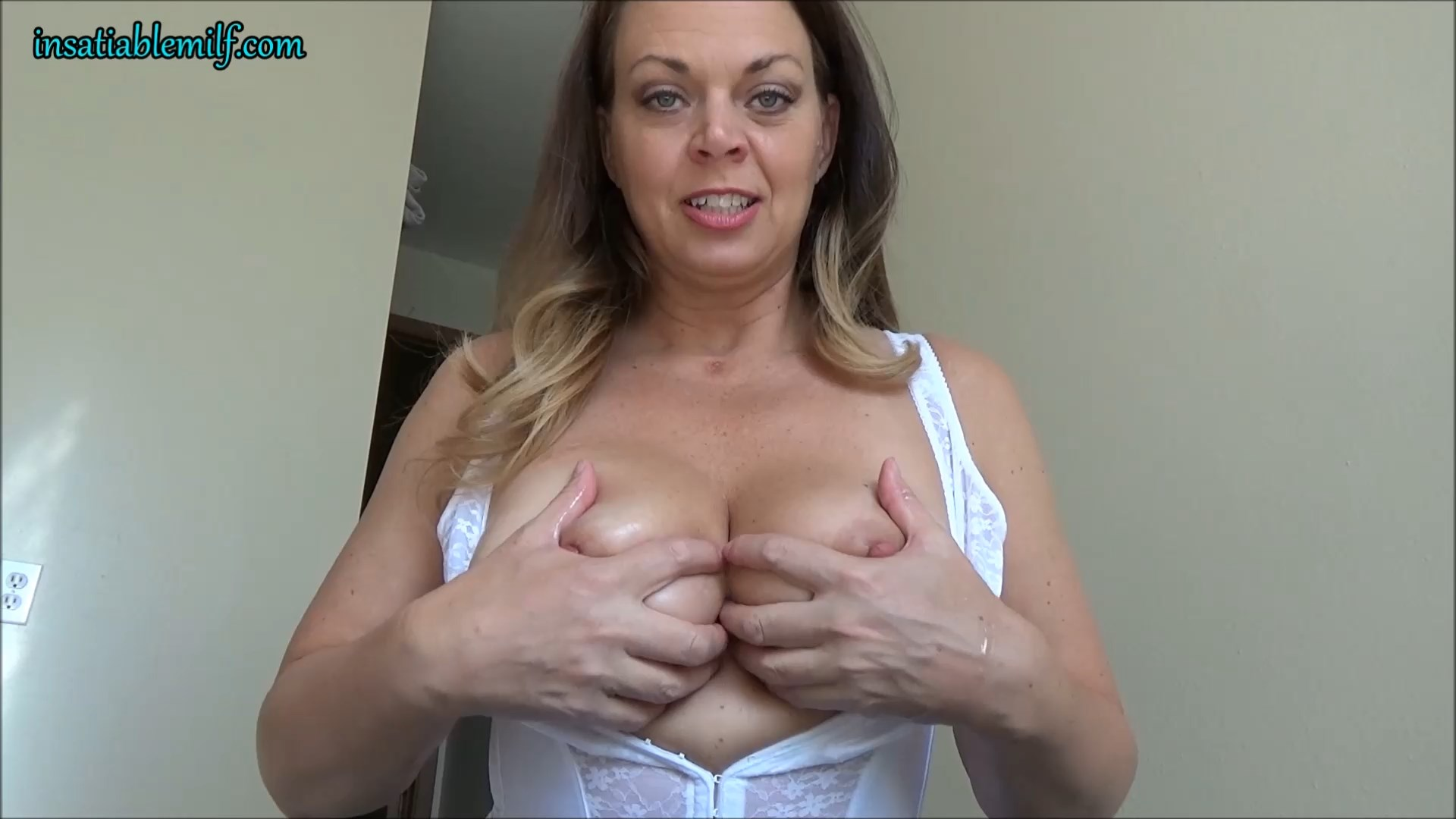 Diane Andrews - Step Mom Always Knows What You Need
