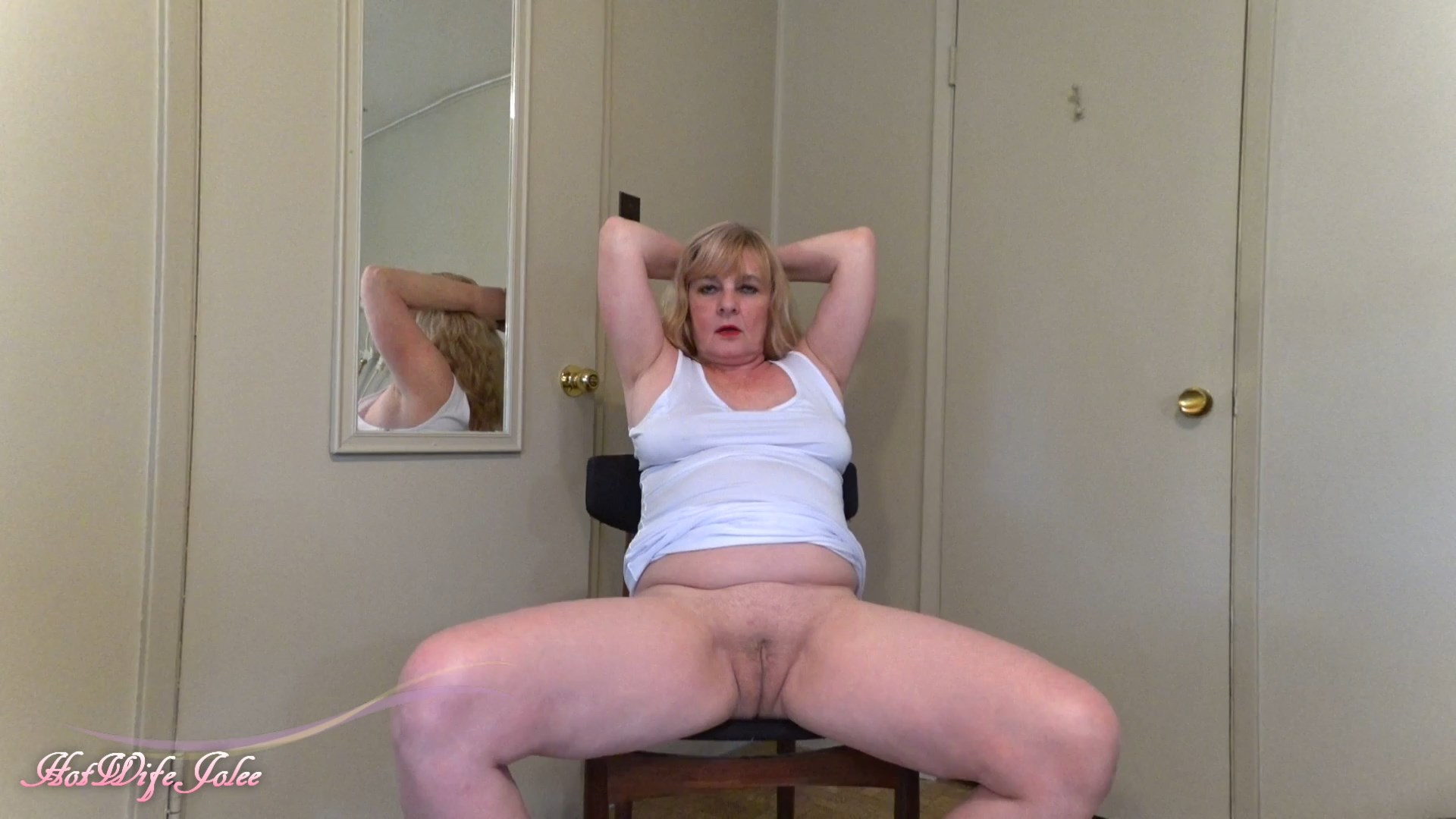Hot Wife Jolee - Mom in sexy white makes you cream for he
