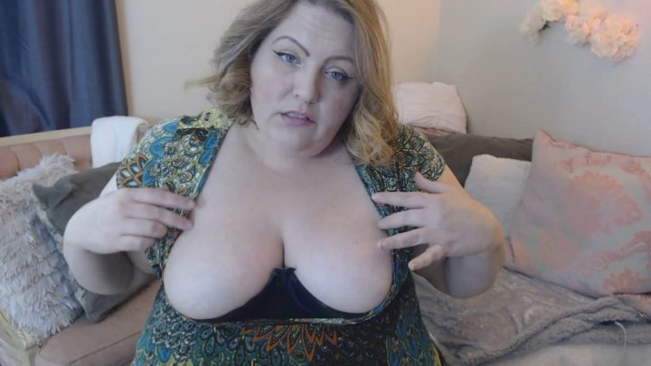 Luscious Rose 69 - Bbw Mommys perfect tits