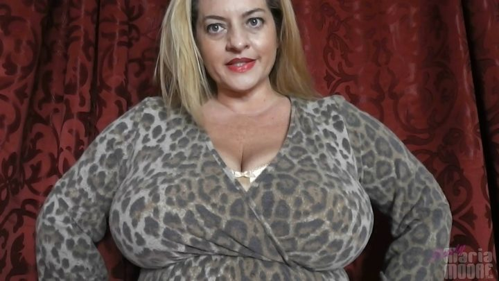 Maria Moore – Mommy Maria 's New Bra