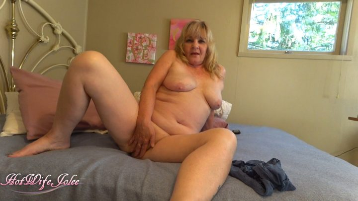 Hot Wife Jolee - Mommy is horny cum sniff smell and lick