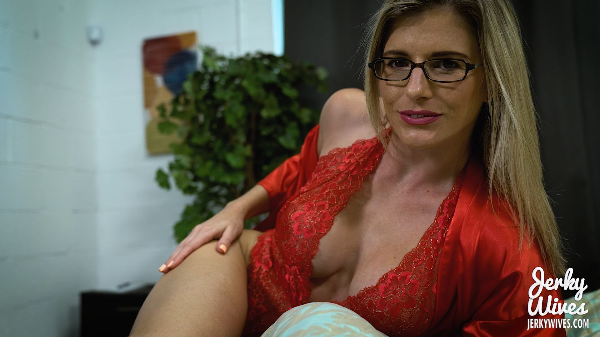 Jerky Wives - Cory Chase in Mommy Creampie Seduction