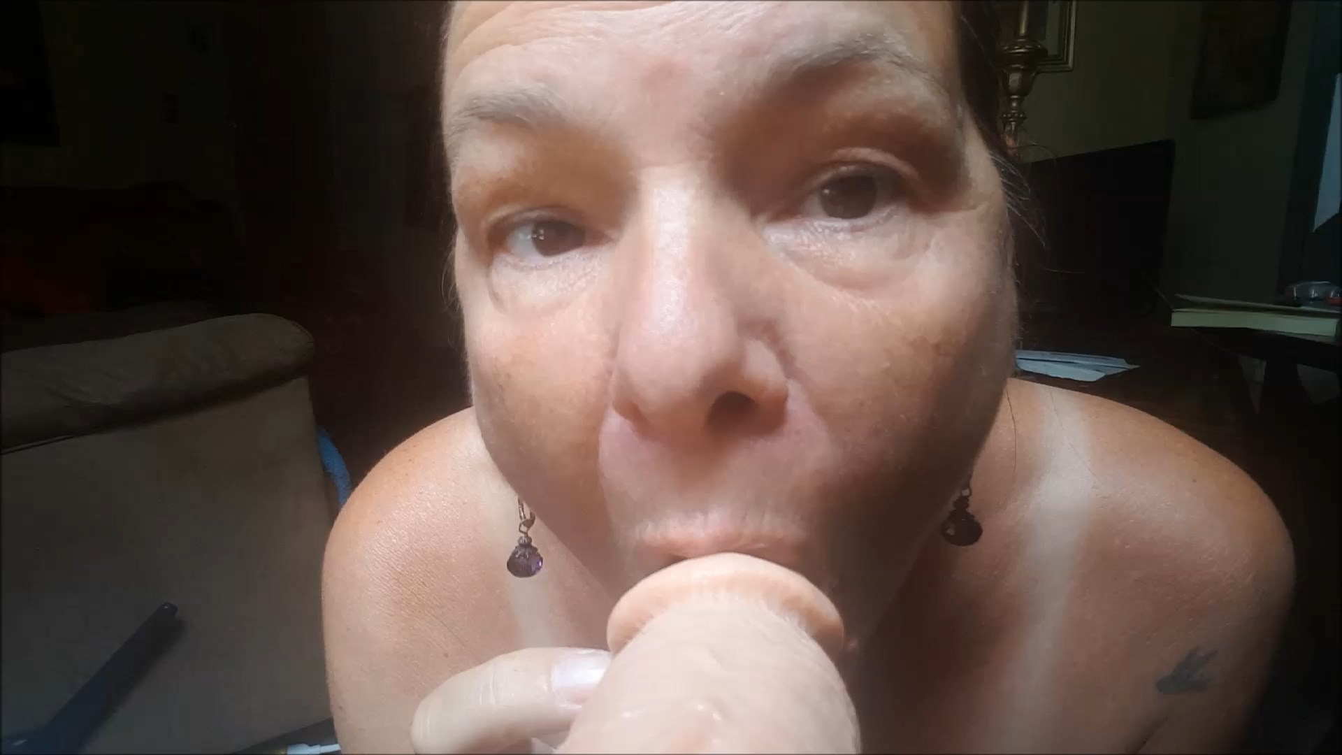 Milf Carrie Moon - Stepmom Carrie Moon - Squirting dildo Blowjob JOI