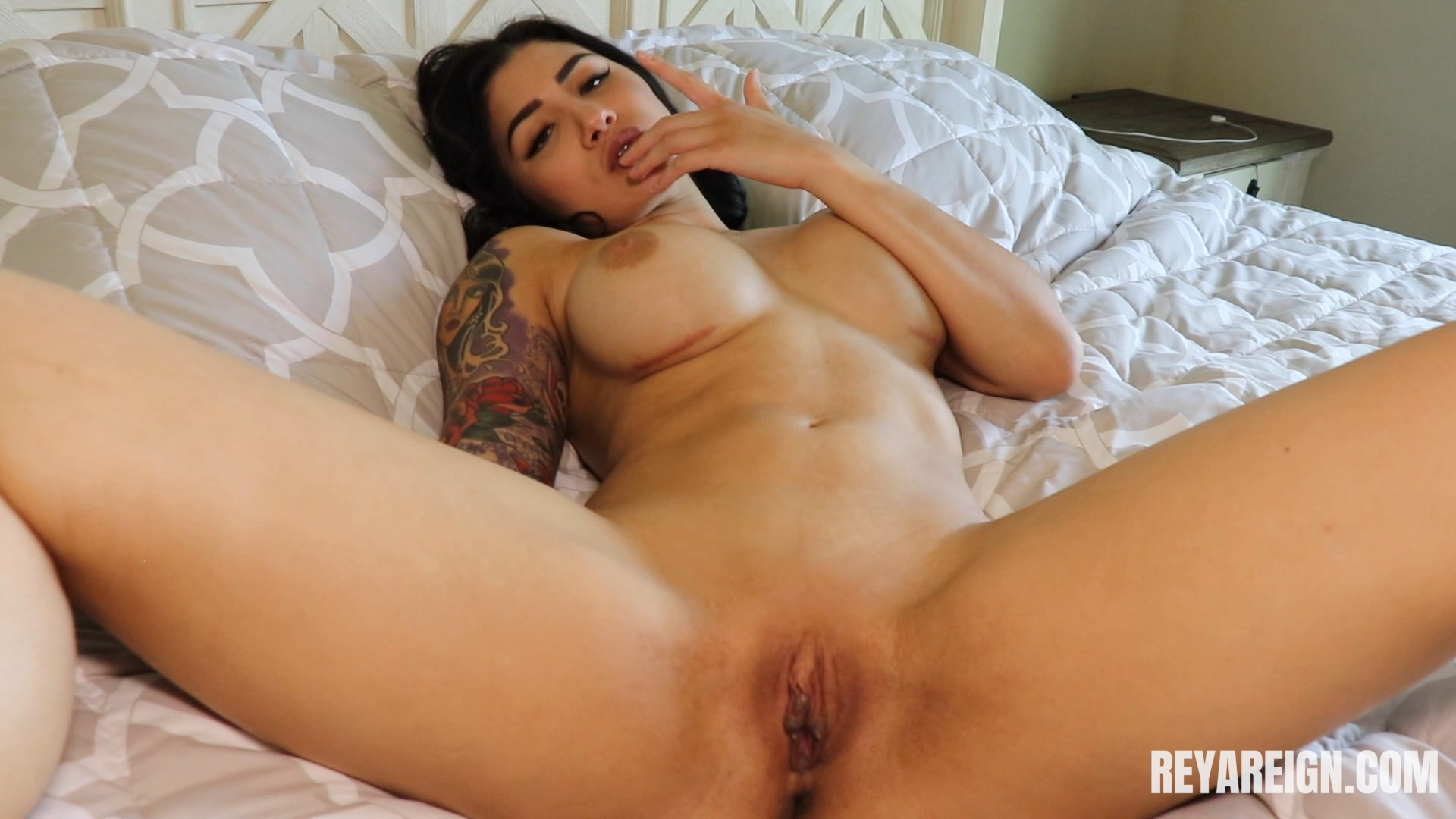 Reya Reign - Caught Spying On Mommy JOI And CEI