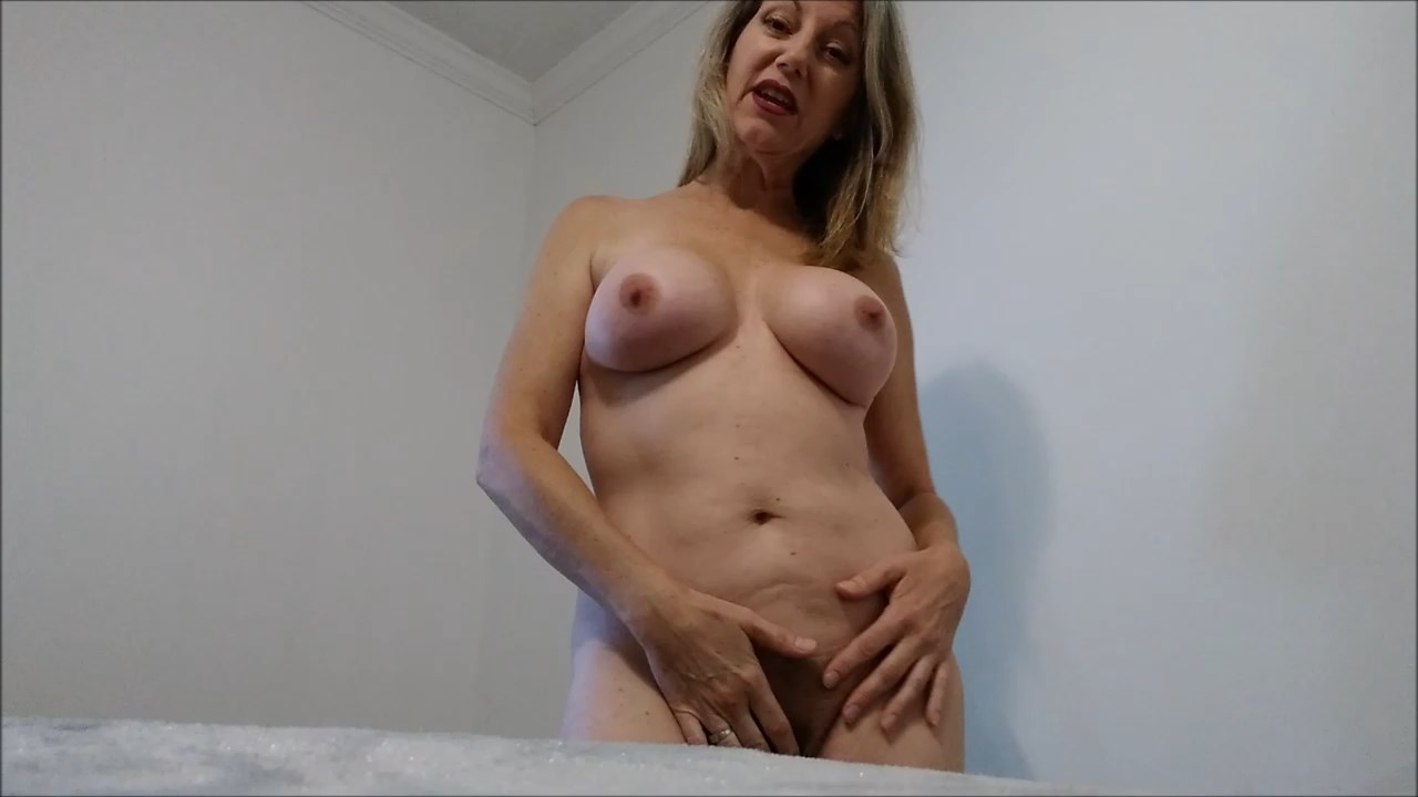 MoRina - Giantess Mommy MoRina