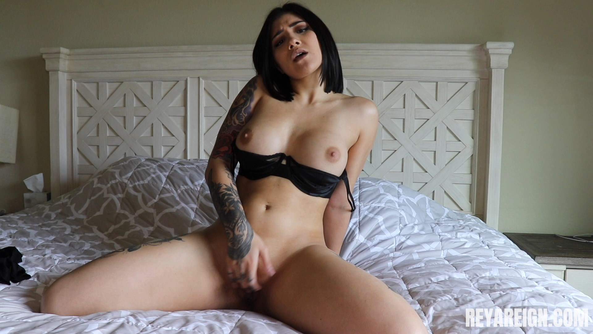 Reya Reign - Stroke To Mommy's One Night Stand