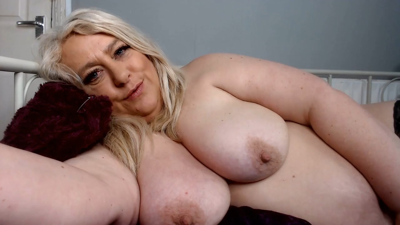 English Milf - Bedtime Cuddle with Mommy and More