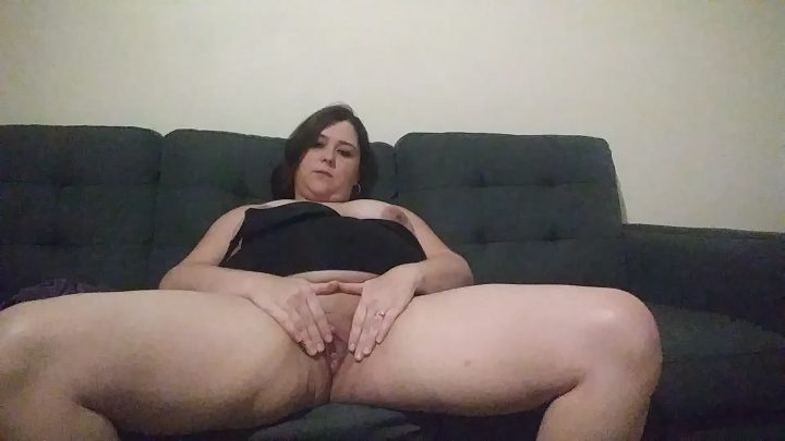 Curvylove757 – Step-mommy makes her son cum inside of her