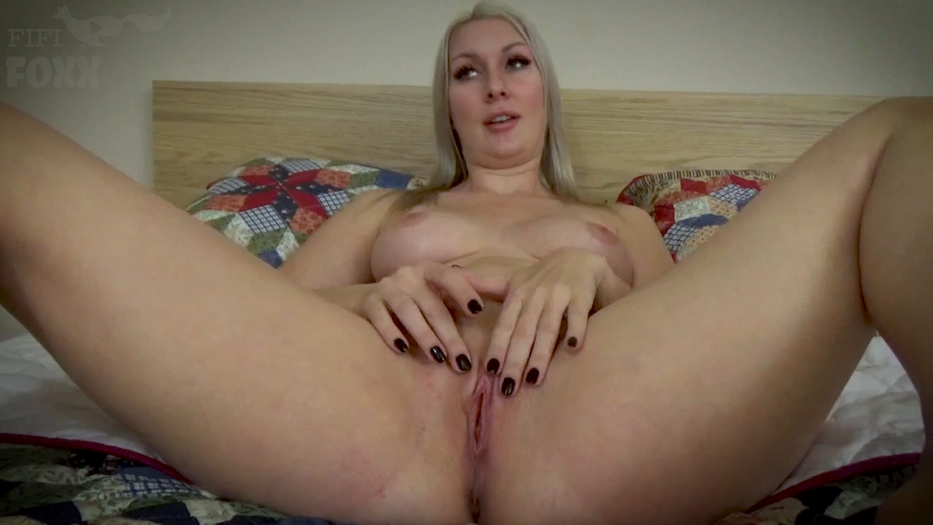 Fifi Foxx Fantasies - Sydney Paige - Mommy's Perverted Game: Whoever Cums First Wins - Son & His Friends, POV - HD 1080p