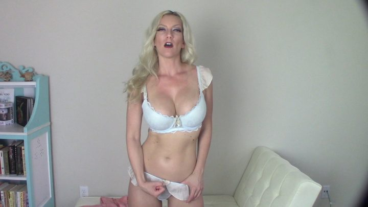 Goddess Gwen – Eat your cum for step-mommy