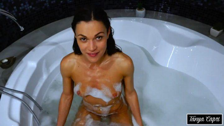 Alyssa Reece – Bath Time With Mommy 1080p