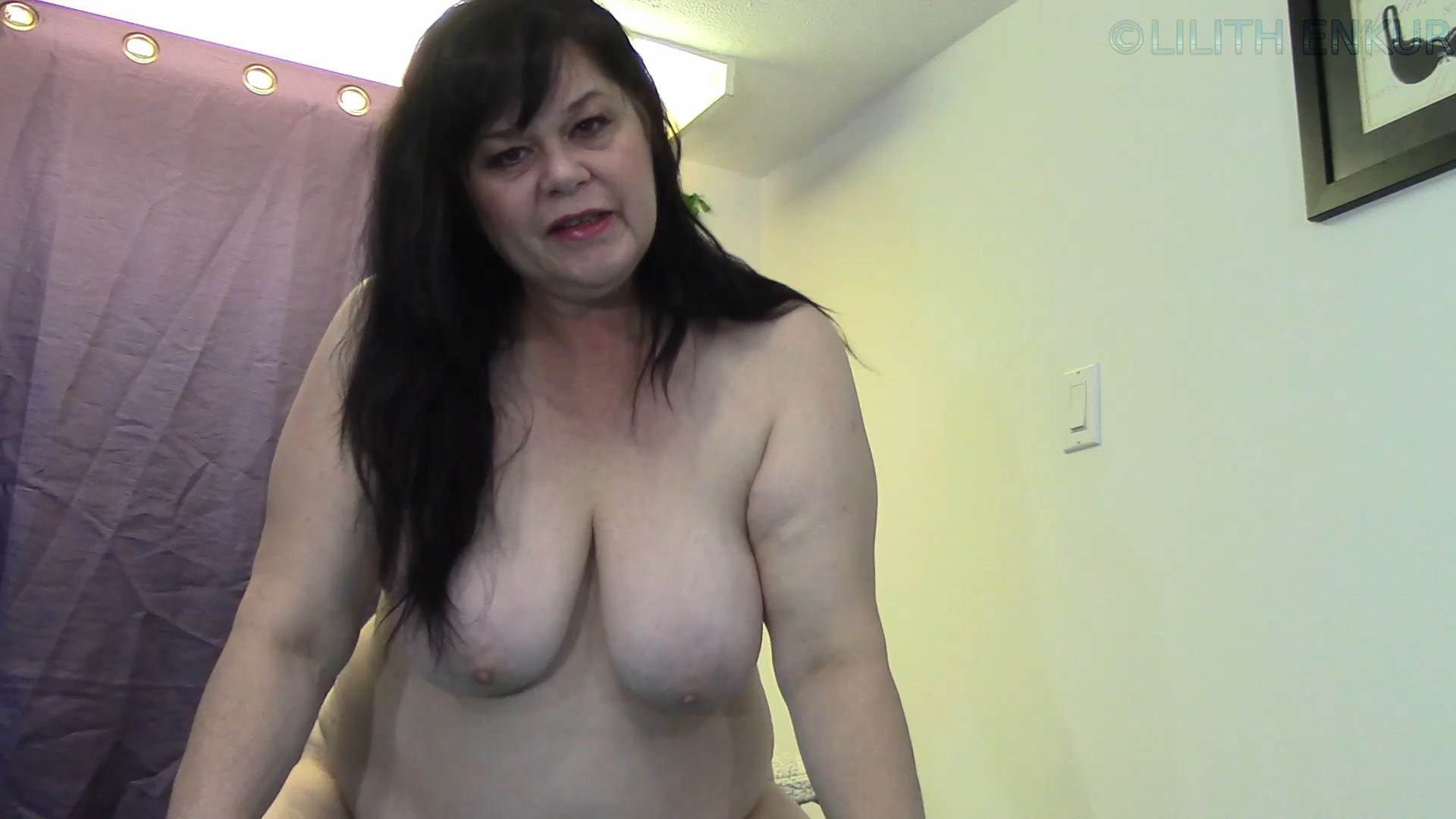 Lilith Enkur - Step-Mommy Over Worked Herself