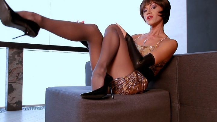 Mistress Lily – Leggy Step-Mom Of Dreams