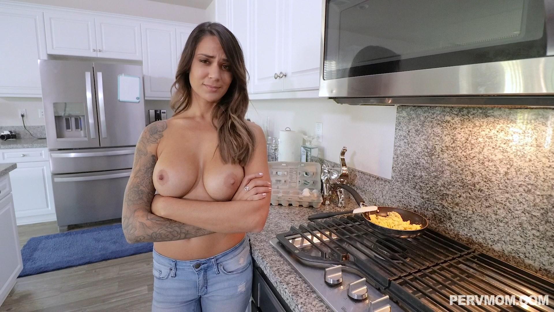 Perv Mom - Alexis Zara - A Topless MILF Breakfast