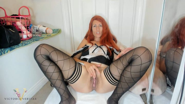 Victoria Veritas - STEP-MOM NURTURES YOU TO EAT HER PUSSY WHILE SHE SQUIRTS HER GOLDEN NECTAR MULTIPLE TIMES IN YOUR FACE AND DOWN YOUR THROAT