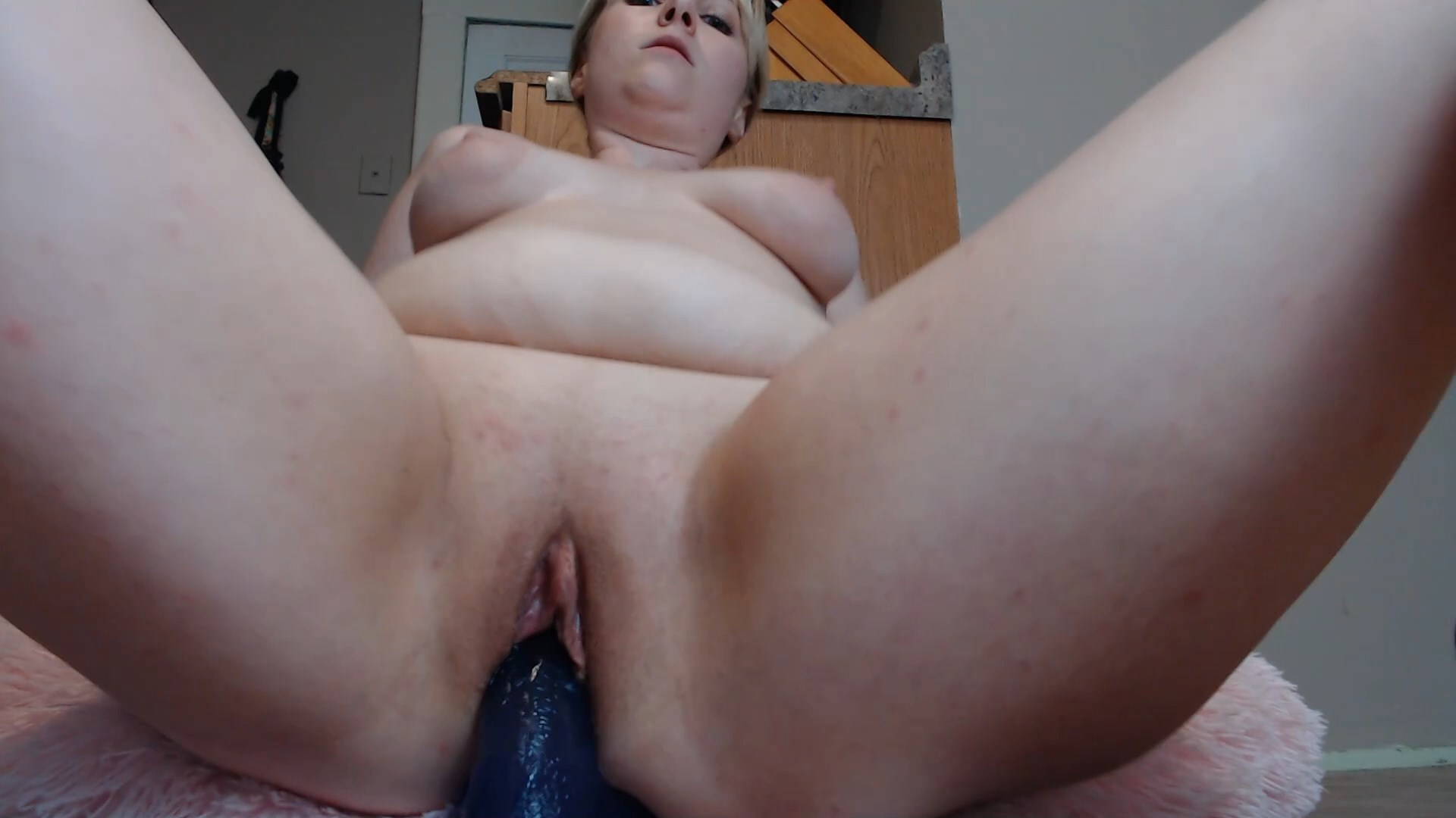 Happily Sweet - Let Mommy Do that