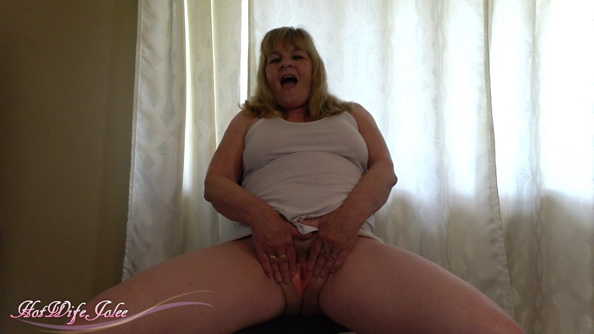 Hot Wife Jolee - Mommy-punishes her filthy young man