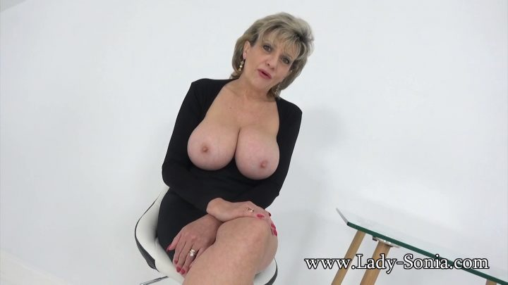 Lady Sonia - Auntie Caught Him Wanking