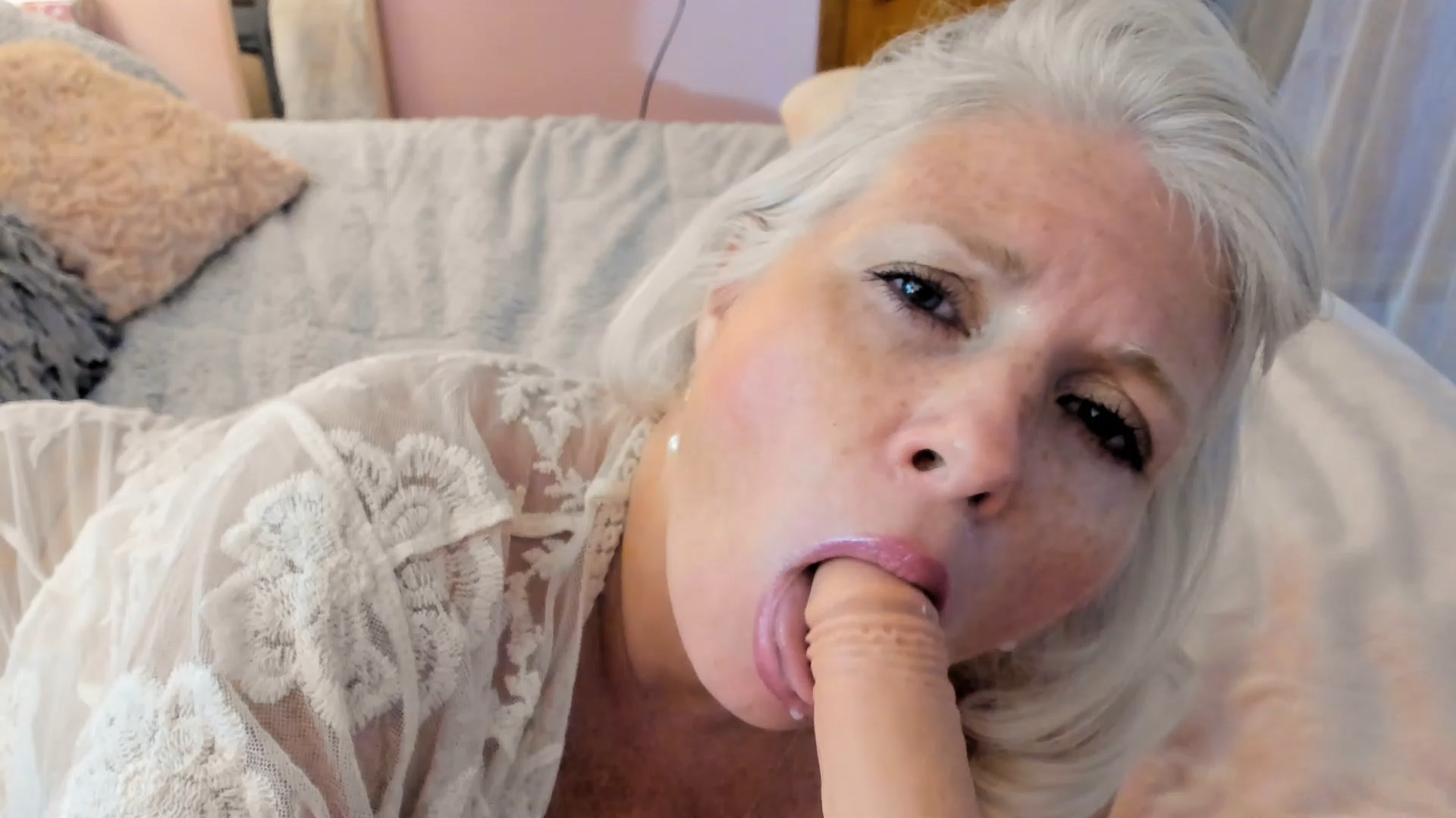 Paintedrose - Mommy's Little Helper - Sweet Kisses/BJ