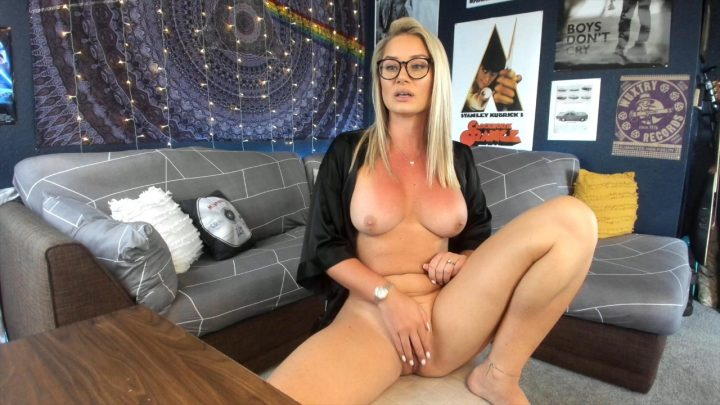 Lauran Vickers – Mommy's Faggot Sons