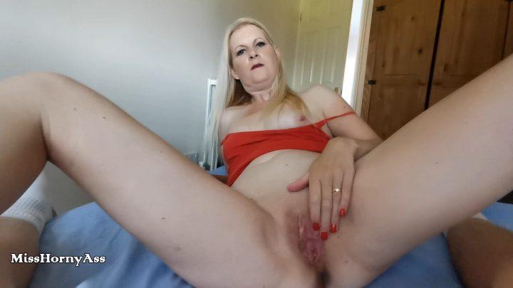 Miss Horny Ass – Mommy Impregnation – B/G