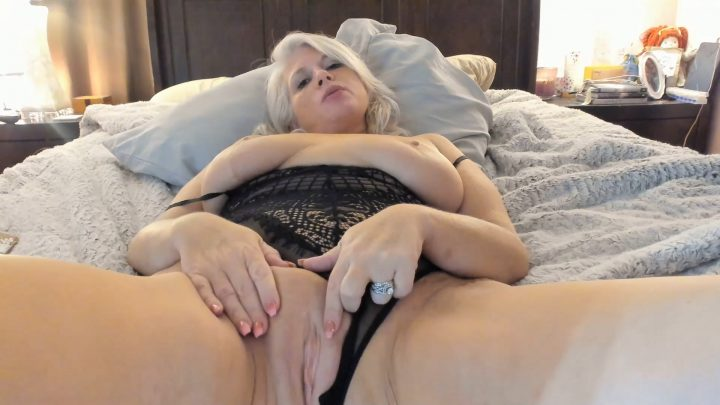 Painted Rose – Moms New Bull And Son Cuck Training